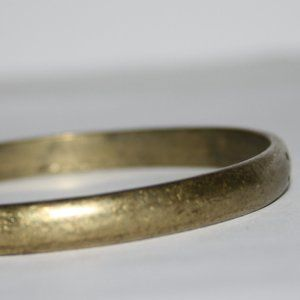 Beautiful vintage brass bangle bracelet